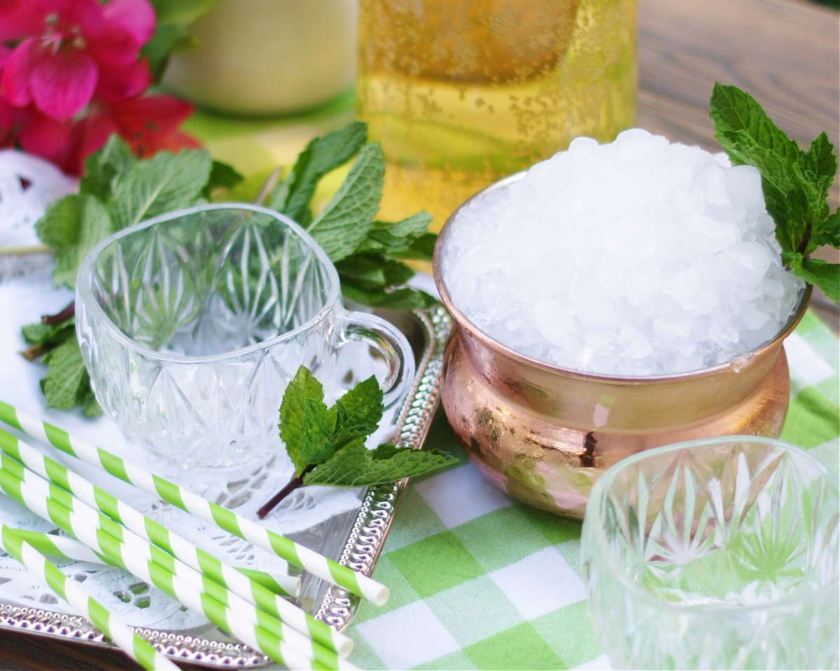 Finely crushed ice for mint julep punch.