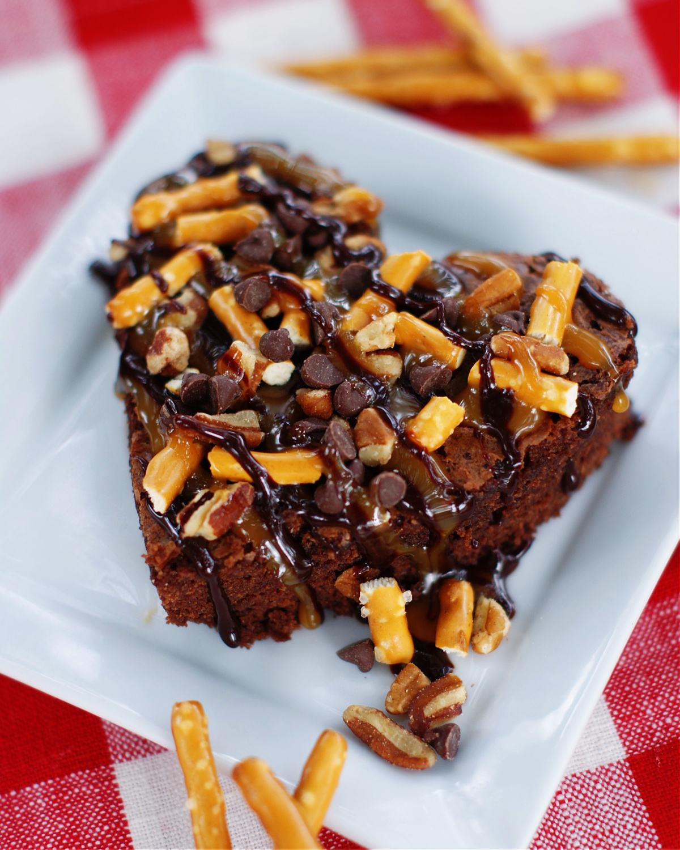 Easy Valentines Day Dessert Turtle brownies
