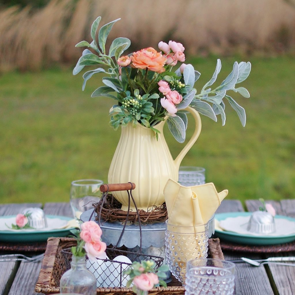 Fresh and Easy Outdoor Easter Table