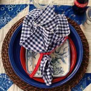 Nostalgic Farm-style Summer Picnic for the 4th of July- southerndiscourse.com