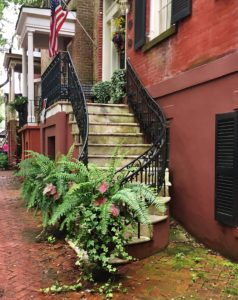 If you are a first time visitor to Savannah, GA, these are the things you don't want to miss!