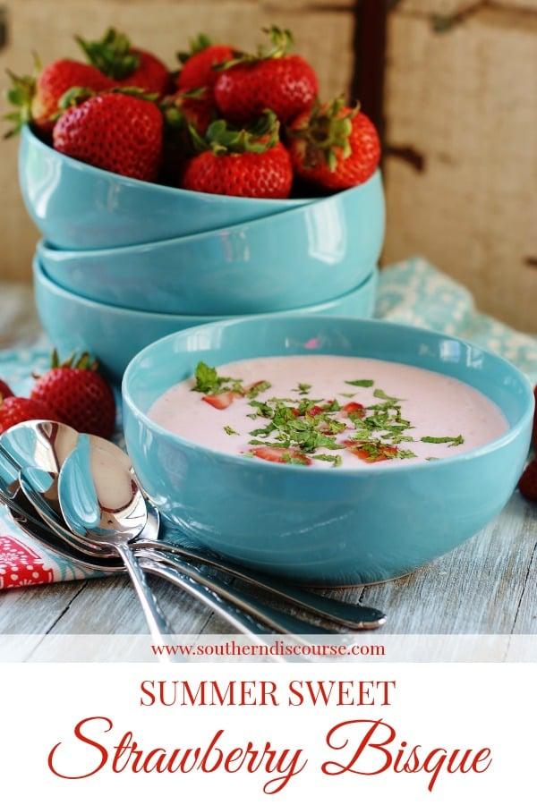 A chilled strawberry soup perfect for summer! #Strawberriesandcream #summer #nobake #easyrecipe