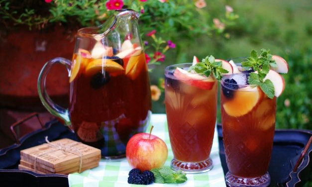 Apple Spice Mint Tea with Blackberries
