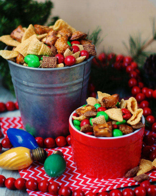 2 snack buckets of Christmas Chex Mix