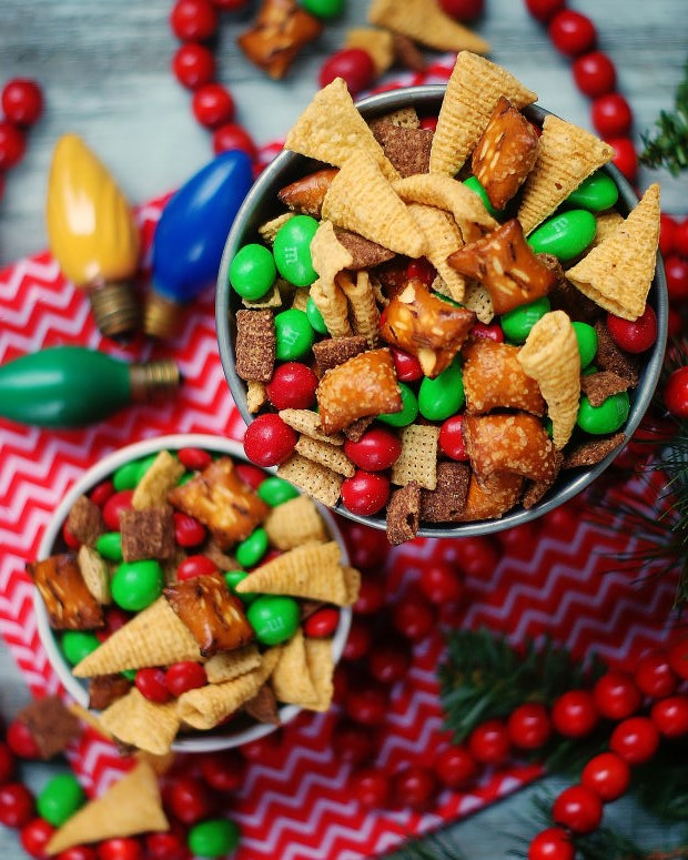 2 bowls of Christmas Snack Mix