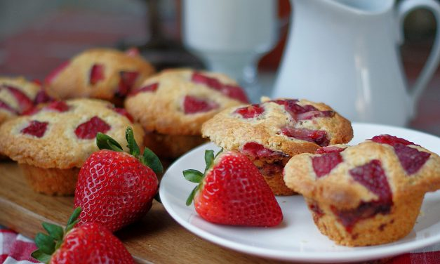 Farmstyle Buttermilk Strawberry Muffins