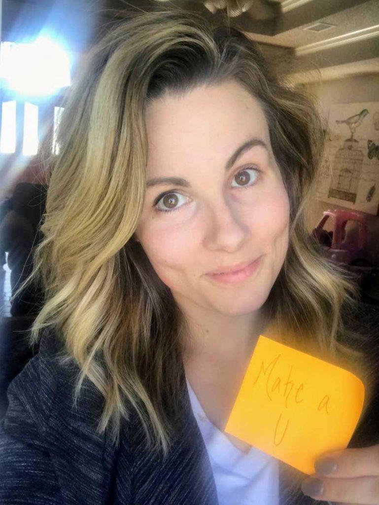 Amy Weatherly with a sticky note