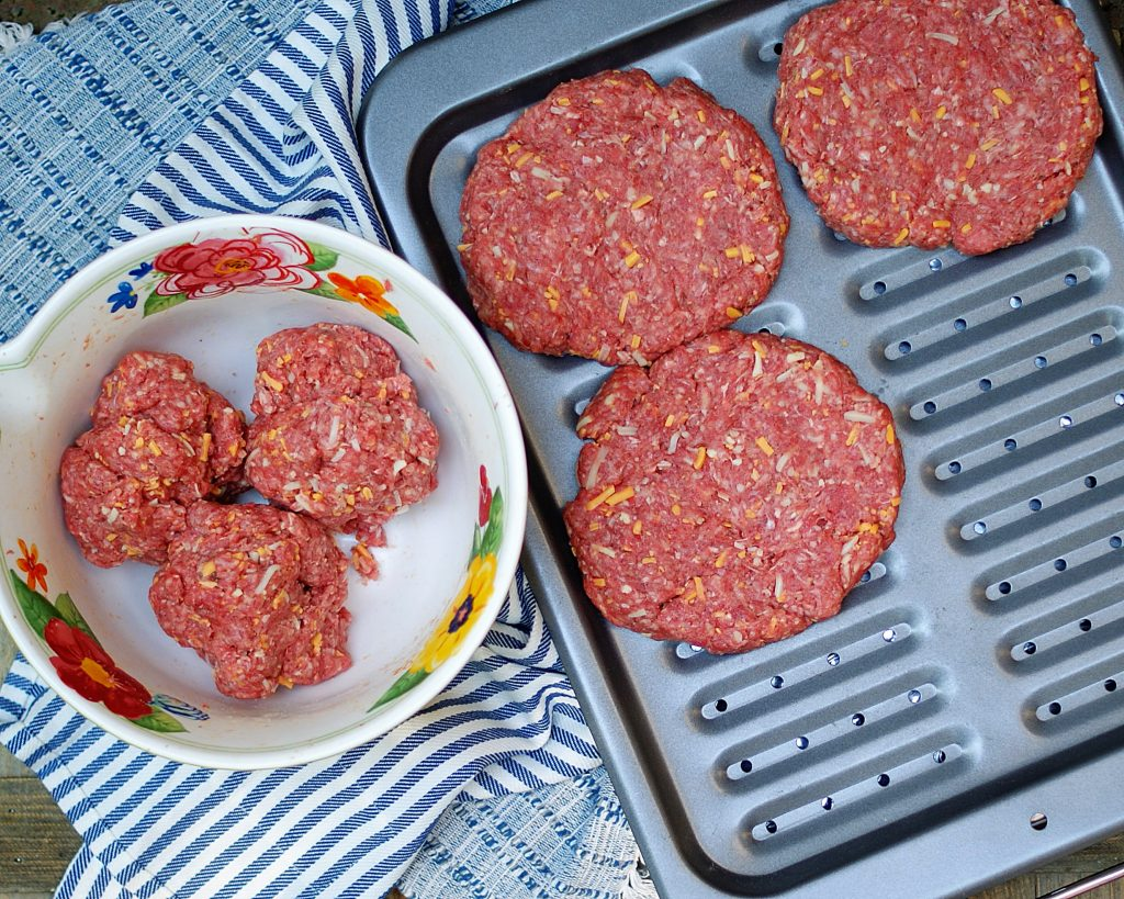 How to make Juicy Lucy Broiler Burgers.