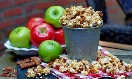 Apple Spice Caramel Corn