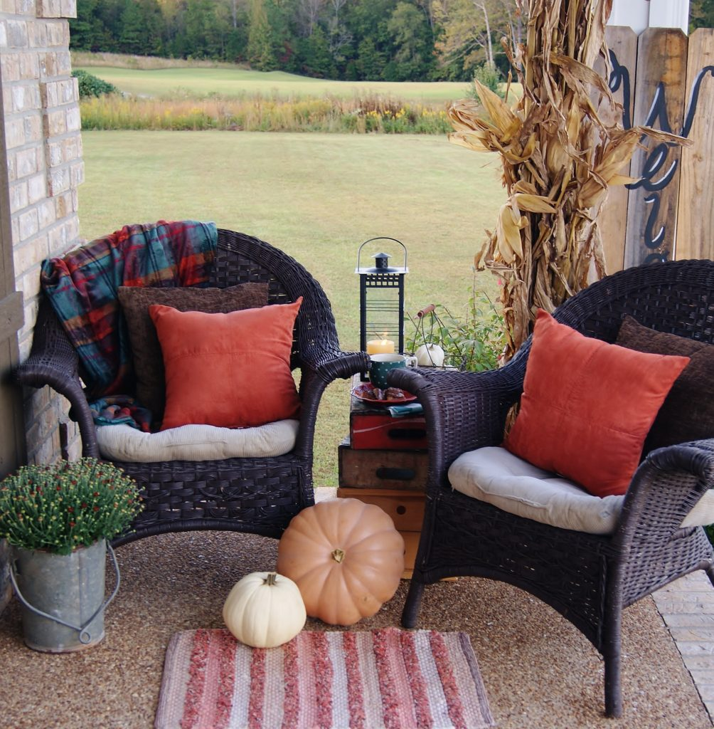 Coffee Break Hospitality feature- fall porch tours