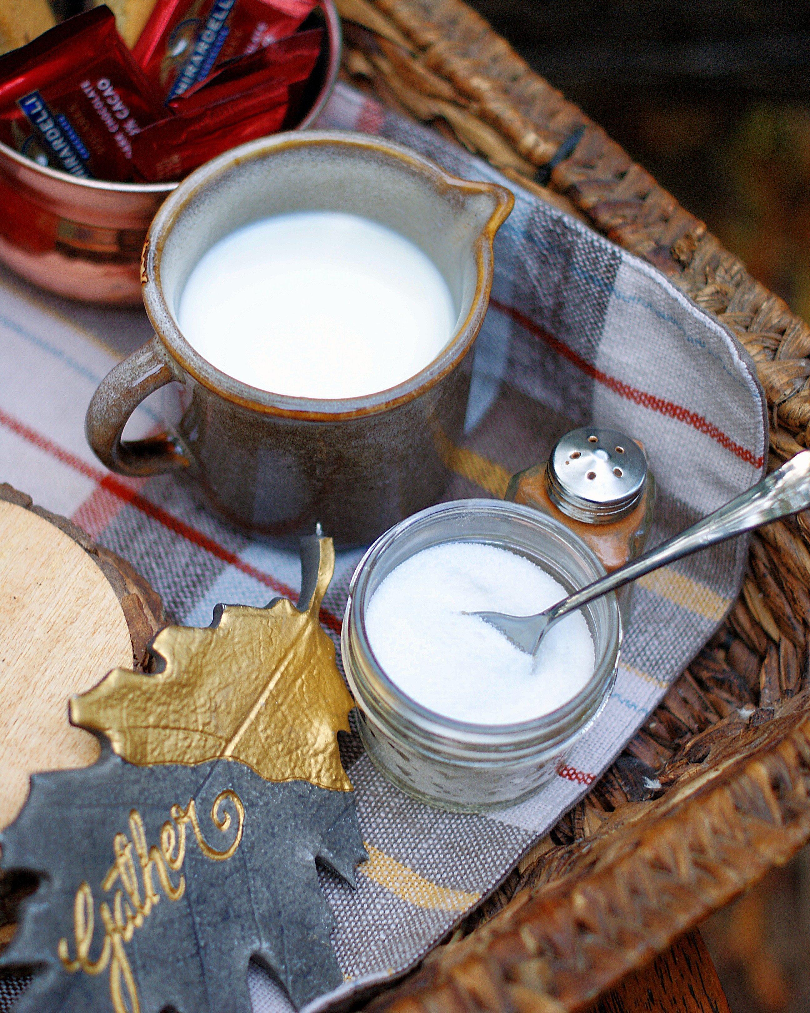 Coffee Station Cream & Sugar