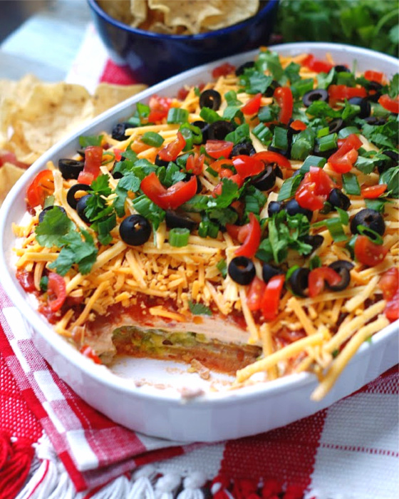 7 layer dip showing the layers.