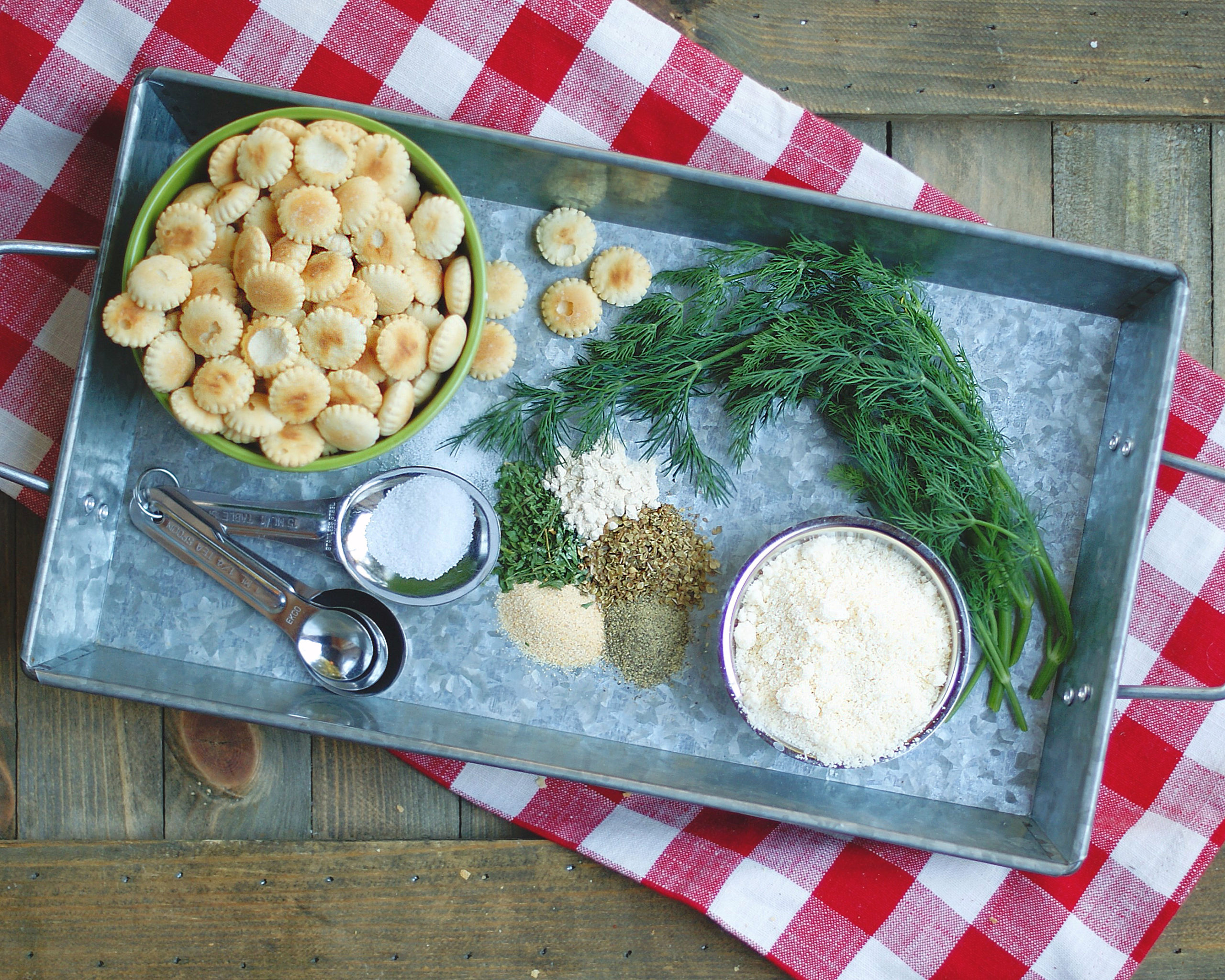 Ingredients for Dill Ranch oyster crackers.