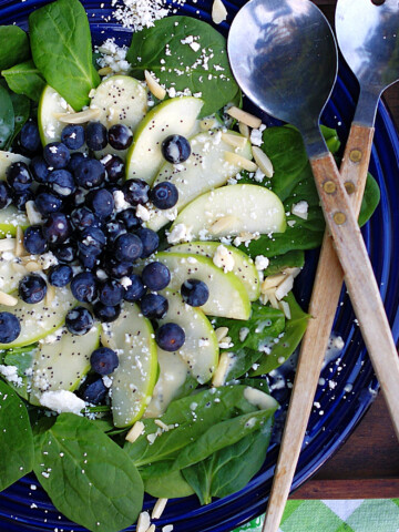 Blueberry Spinach Salad with homemade dressing Title