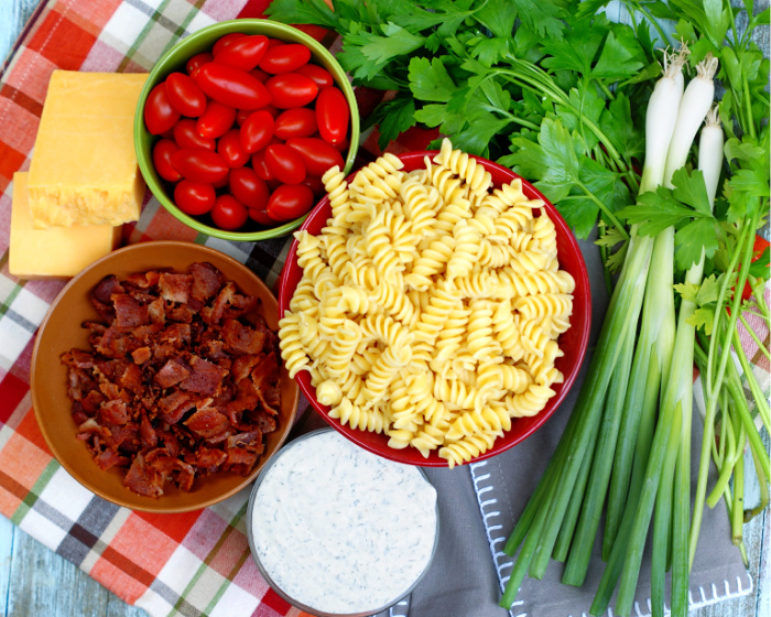 Bacon Tomato Pasta Salad Ingredients