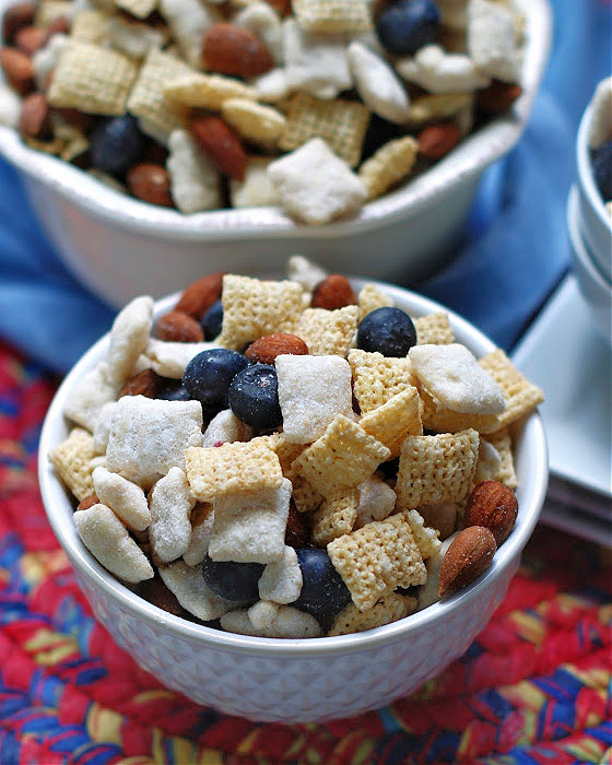 Bluberry Muddy Buddy Snack Mix in a bowl