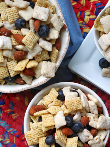 Blueberry Muddy Buddy Snack Mix Title