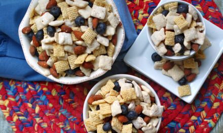 Blueberry Muddy Buddy Snack Mix