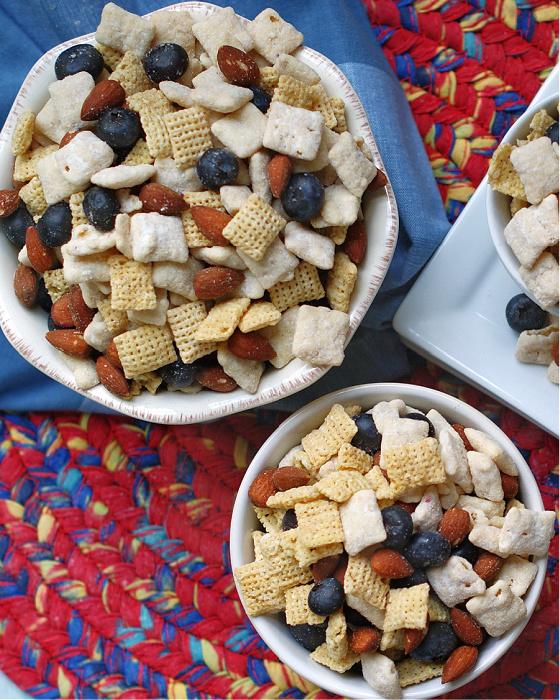 2 bowls of Blueberry Muddy Buddy Snack Mix