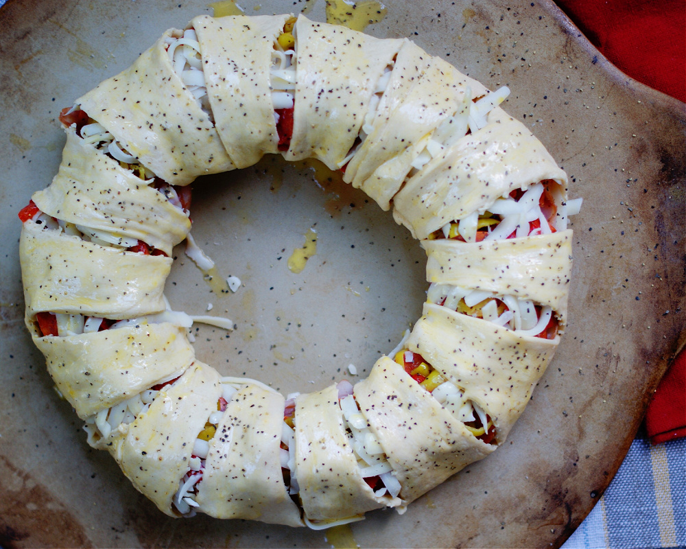 Italian sub crescent ring being made