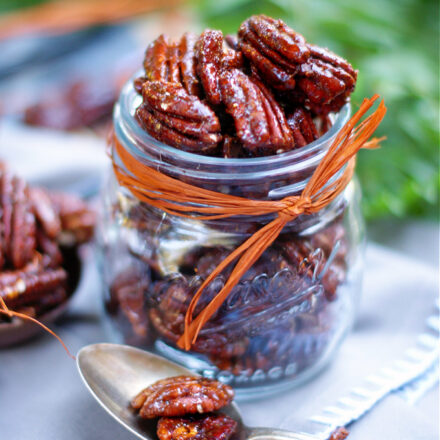 honey spiced pecans in a jar as a gift