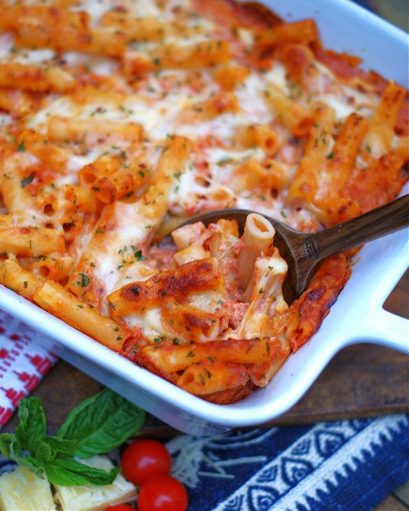Finished dish of tomato alfredo baked ziti