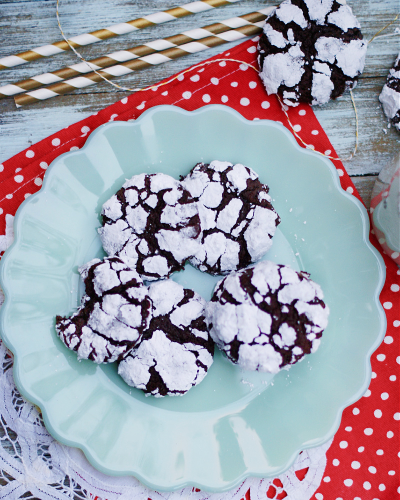 Fudgy Chocolate Crinkle Cookies served on a plate.