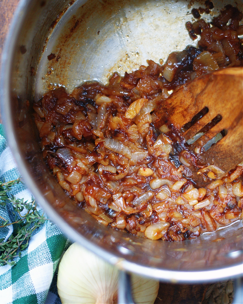 how to caramelize onions for french onion soup