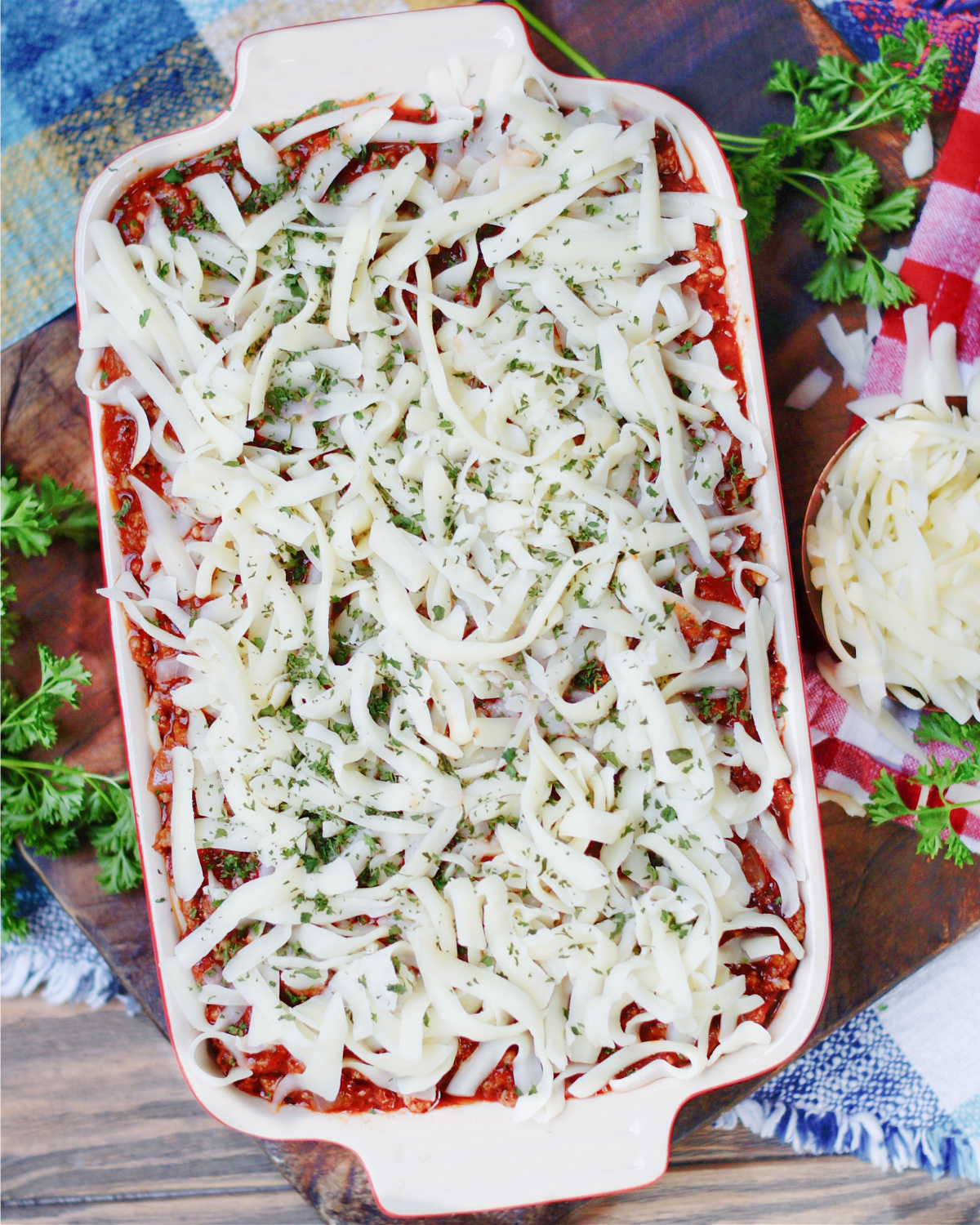 How to make Ultimate Bake Spaghetti Casserole with a creamy cheese center