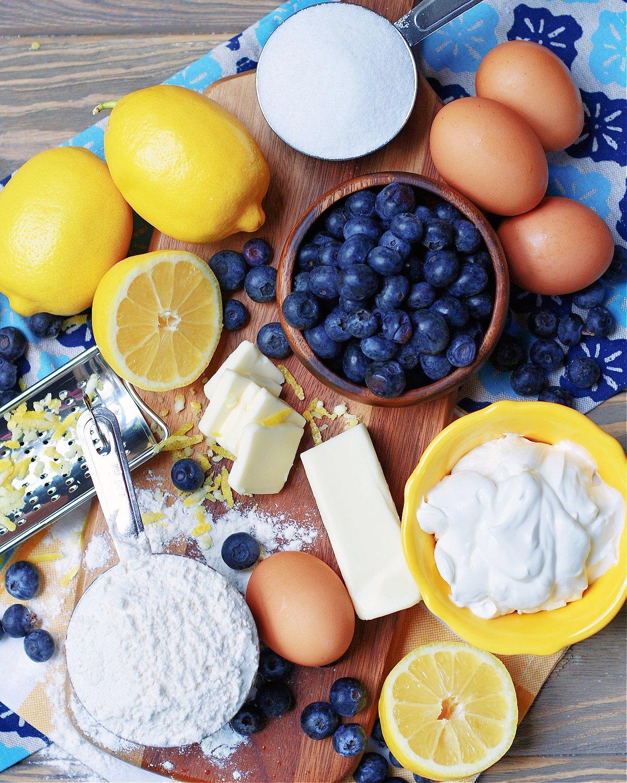 مكونات كعكة التوت والليمون باوند