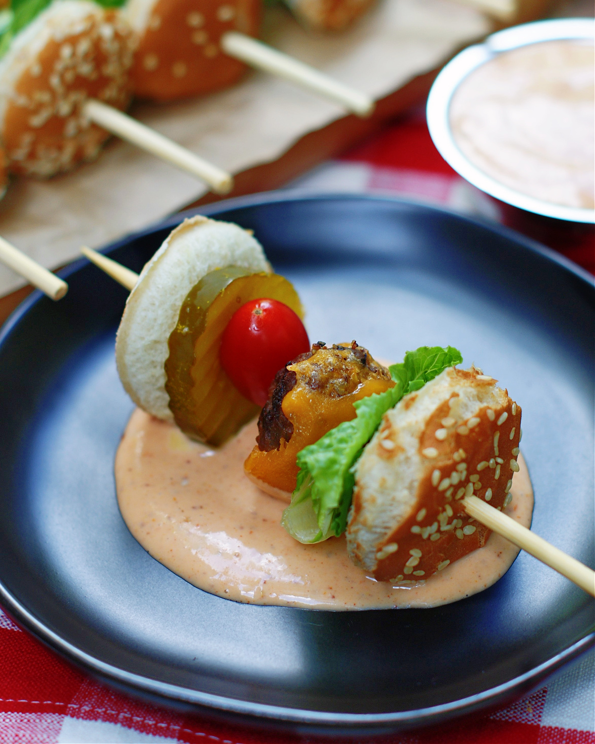 how to serve cheeseburger skewers with a dipping sauce