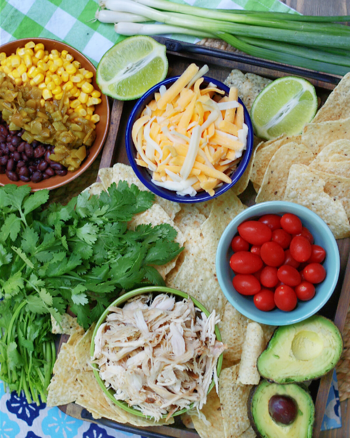 ingredients and toppings to make the best chicken nachos