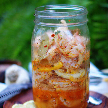making pickled shrimp in a jar