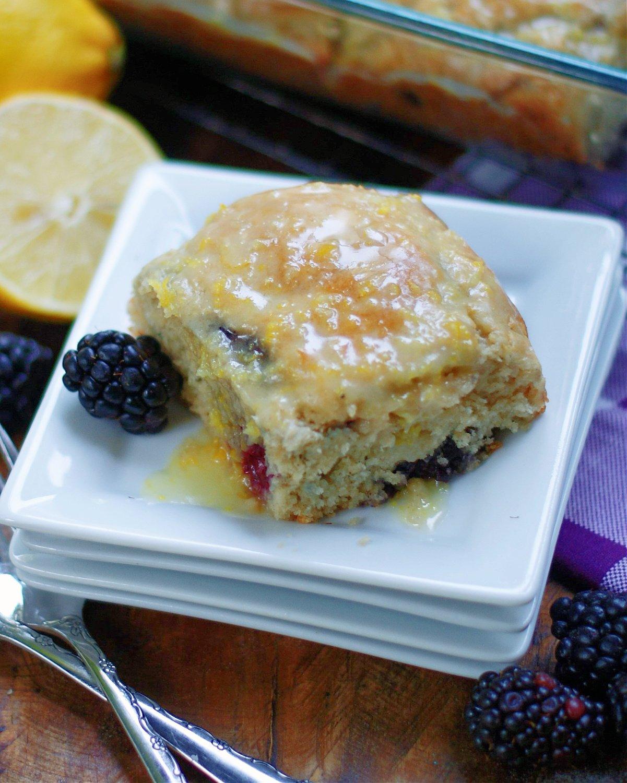 how to serve blackberry biscuits