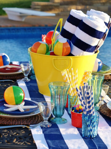 How to throw the best pool party