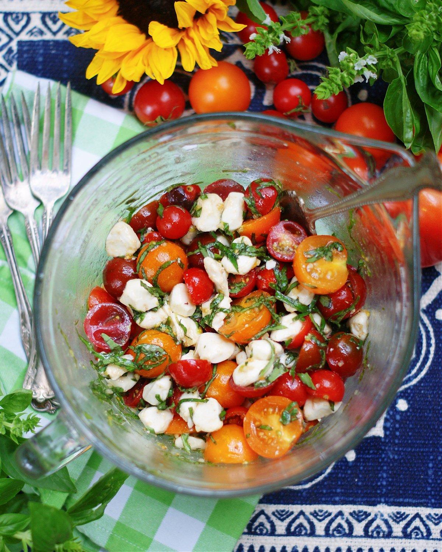 How to make a marinated caprese salad