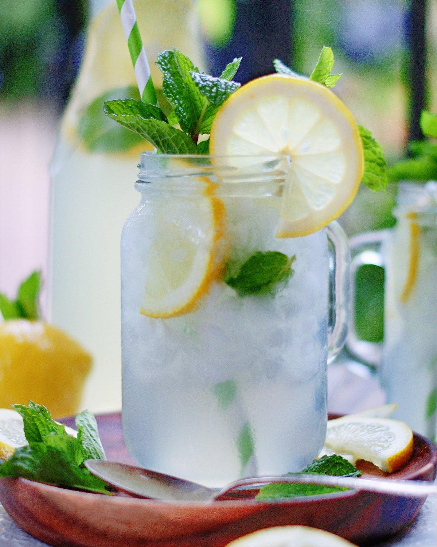 Best homemade mint lemonade in a chilled mug