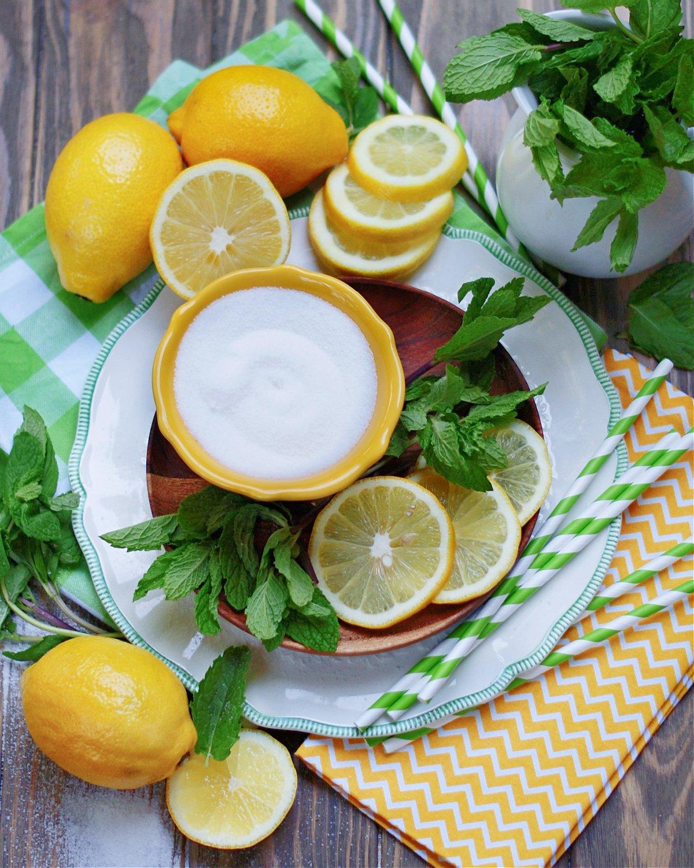 4 ingredients to make fresh homemade mint lemonade